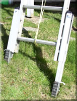 ladder leveler. copyright 2006 volitar industries