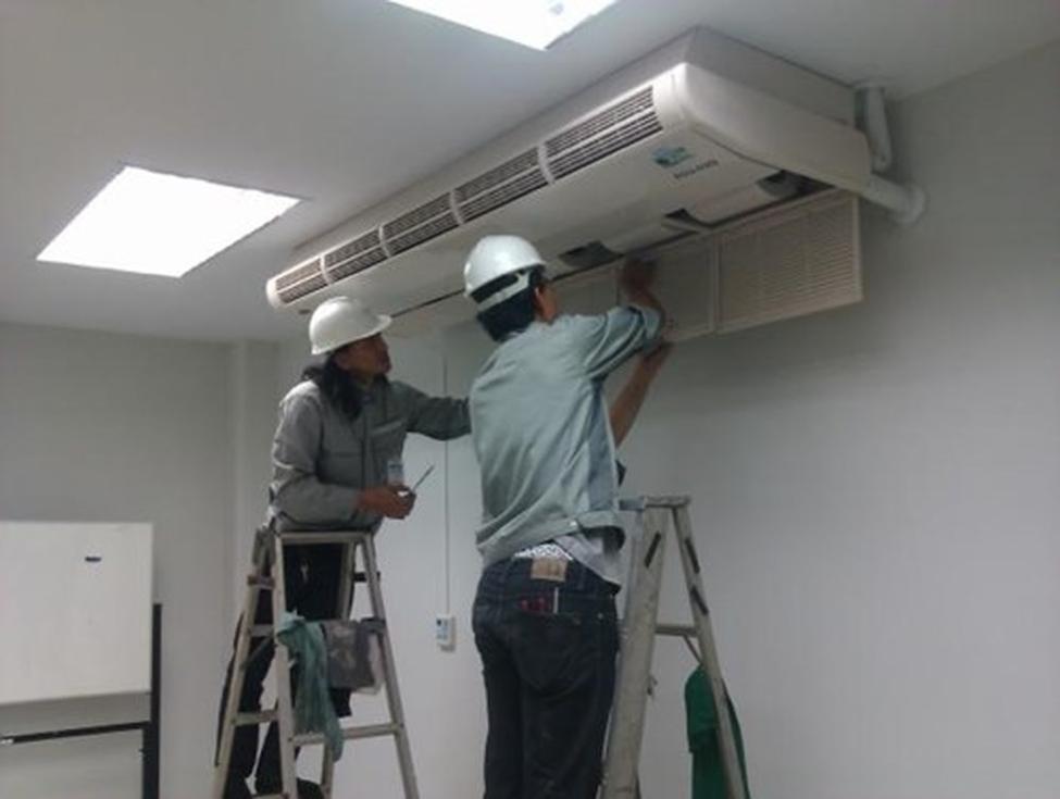 Gợi ý 3 kiểu thang hỗ trợ việc vệ sinh điều hòa hiệu quả