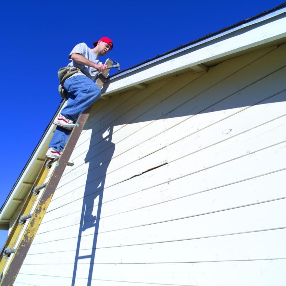 Thang nhôm sửa mái nhà