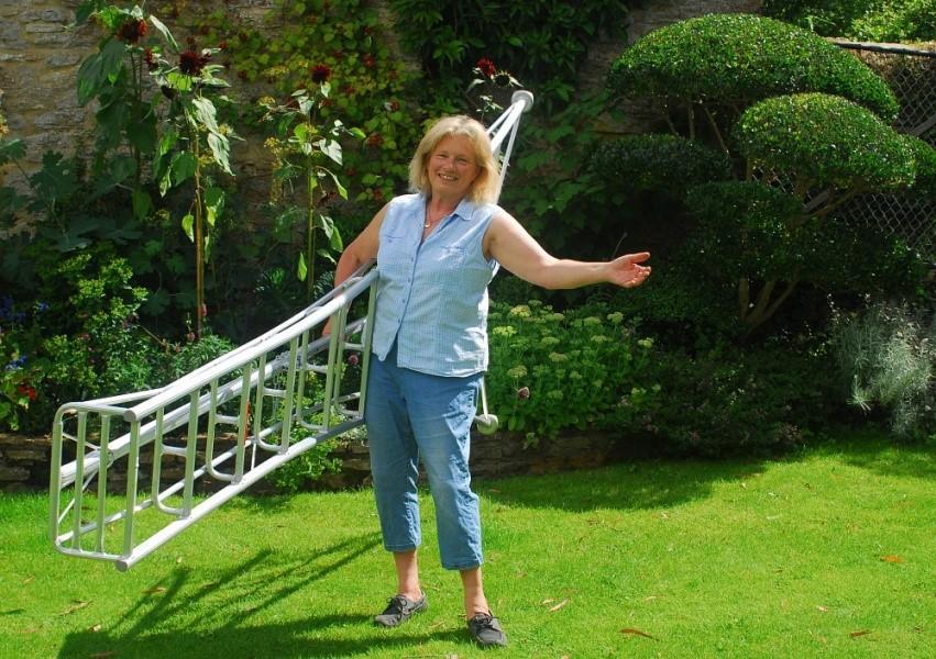 Thang nhôm làm vườn